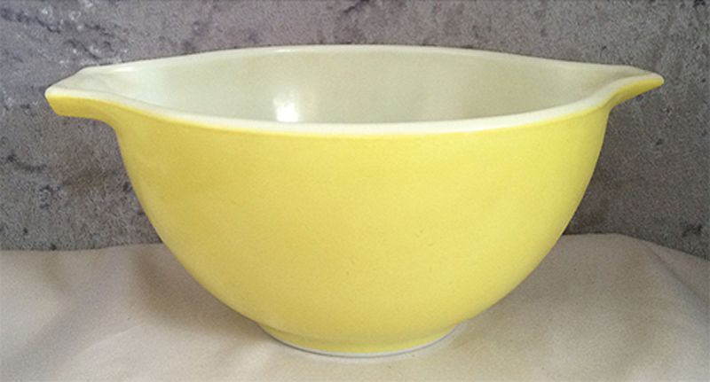 1960s 1970s Vintage Pyrex Light Lemon Yellow 441