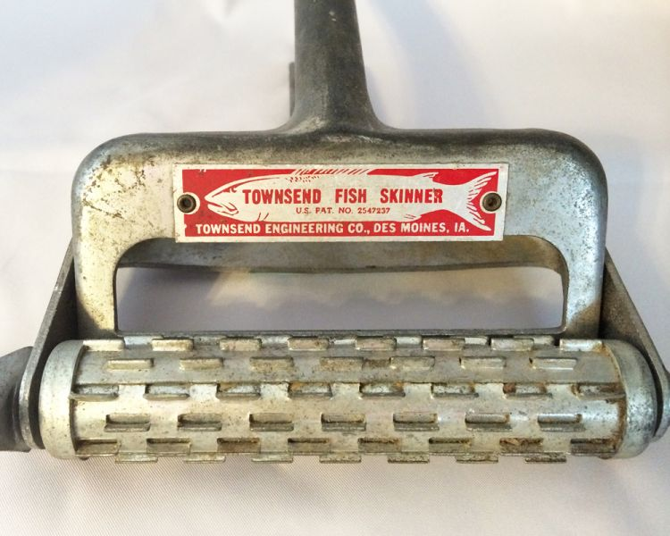 1940s Vintage Townsend Fish Skinner Kitchen Fishing Tool, Made In USA