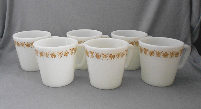 1970s Vintage Pyrex Erfly Gold Milk Gl Coffee Mugs Or Cups In X Sold Gallery