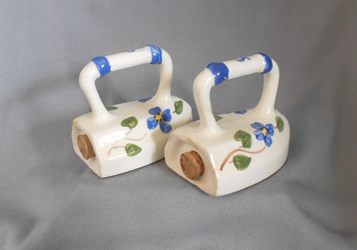 1950s Vintage Hand Painted Ceramic Irons Salt And Pepper