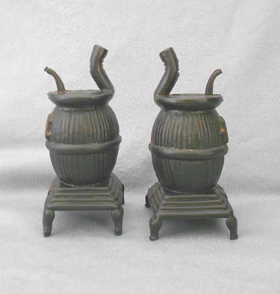 1960s Vintage Pot Belly Stoves Plastic Salt And Pepper