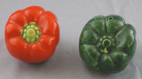 1940s Vintage Red And Green Chili Peppers Salt And Pepper