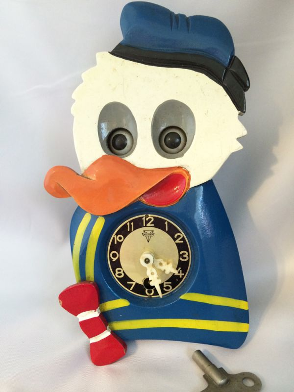 Vintage Walt Disney Donald Duck Wall Clock With Moving