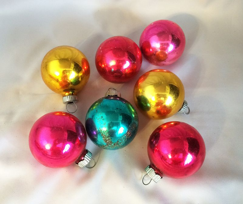 1950s vintage shiny brite round christmas ornaments 7 magenta gold green shiny brite glass ornaments in - Vintage Shiny Brite Christmas Ornaments