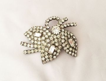 1960s Vintage Rhinestone Tri Leaf Brooch, Vintage White Rhinestones Large Pin Brooch in brooches and pins