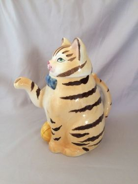 1960s Vintage Ceramic Cat Teapot, Vintage Japan Striped Tabby Cat Tea Pot Coffee Pot, Decorative Collectible Teapots in X-SOLD GALLERY