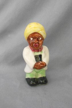 1950s Vintage Black Americana Pappy Man with Turban Salt or Pepper Shaker, Japan in black Americana