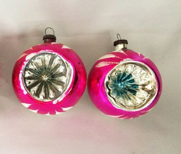 1950s Vintage Pair Japan Glass Starburst Indent Christmas Ornaments, Magenta Pink Indent Ornaments - RARE! in ornaments - glass